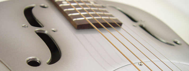 southerner_guitar_silver_grey_close_up_f